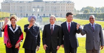 Official photo of BRICS leaders taken on September 5, 2013. Image credit: Flickr (Blog do Planalto)