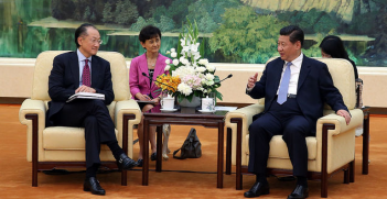 World Bank Group President Jim Yong Kim meeting with Chinese President Xi Jinping. Image credit: Flickr (World Bank Photo Collection) Creative Commons.