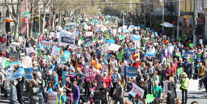 30,000 people on Melbourne's climate march. Photo credit: Flickr (Takver) Creative Commons