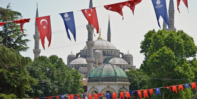 Blue Mosque, Istanbul. Photo Source: Caribb (Flickr). Creative Commons.
