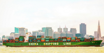 Chinese transatlantic shipping. Photo Source: Thomas Hawk (Flickr). Creative Commons.