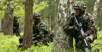 Bundeswehr Panzergrenadiere during an exercise. Photo Source: Wikimedia. Creative Commons.