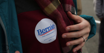 A Bernie Sanders supporter at the New Hampshire Primary on the 9th of February. Photo source: Erik J Olson (Flickr). Creative Commons.