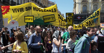 Anti-nuclear protest in Madrid. Photo source: Osvaldo Galgo (Flickr). Creative Commons.