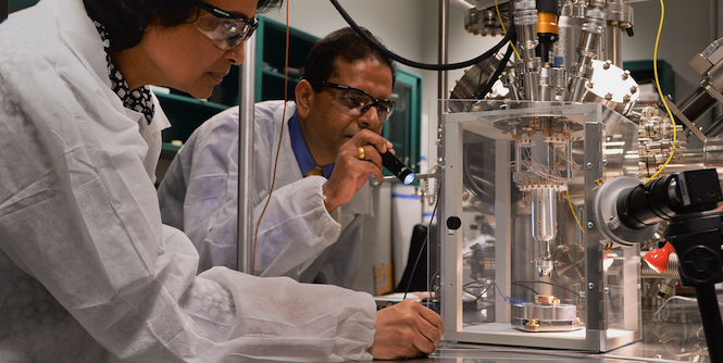 Singaporean and US Army Scientists Collaborate on Nanomaterials Research. Photo source: U.S. Army RDECOM (Flickr). Creative Commons.