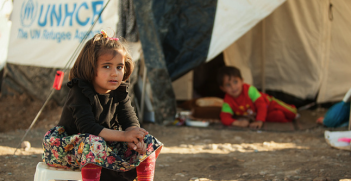 Young Syrian refugee girl. Photo source: Mustafa Khayat (Flickr). Creative Commons.