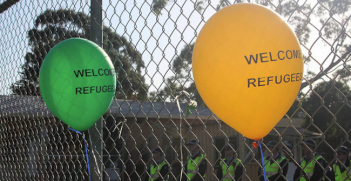 Welcome Refugee Balloons. Photo source: Global Panorama (Flicker). Creative Commons.