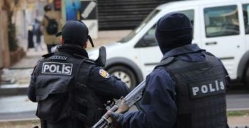 Turkish police fores. Photo credit: Voice of America (Wikimedia Commons)