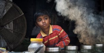 Child Labour in India. Photo credit: © Jorge Royan / http://www.royan.com.ar, via Wikimedia Commons