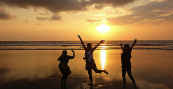 Kuta_Beach. Photo Credit: Farley Roland Endeman (Flickr) Creative Commons