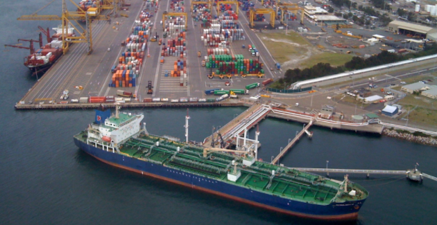 Sydney container port (Wikimedia Commons)