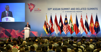 ASEAN Summit Chairman Lee Hsien Loong delivering his speech at the 33rd ASEAN Summit and Related Summits, 14 November (Credit: asean.org)