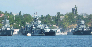Russian warships. Source: Wikimedia Commons.