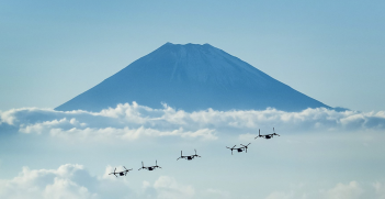 Osprey tiltrotor aircraft enroute from a training mission to the US Marine Corps Air Station in Futenma, Okinawa. Source: Marines, Flickr