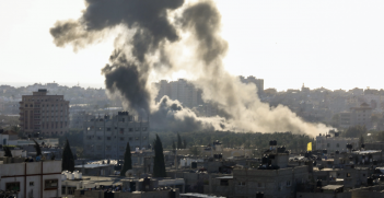 Smoke rises from an Israeli airstrike on the Gaza strip on 2 May 2019. Photo: Prachatai, Flickr, https://bit.ly/OJZNiI