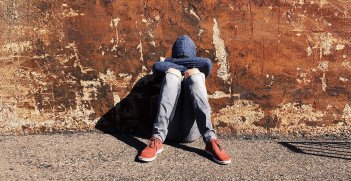 High unemployment and corruption cause youth in Kosovo to leave the country. Source: Pixabay user Wokandapix http://bit.ly/2WbZHbv