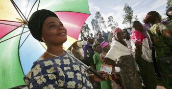 Congolese women lining up to vote during the 2006 elections. Source: United Nations Photo, Flickr, https://bit.ly/2ZgX3Og