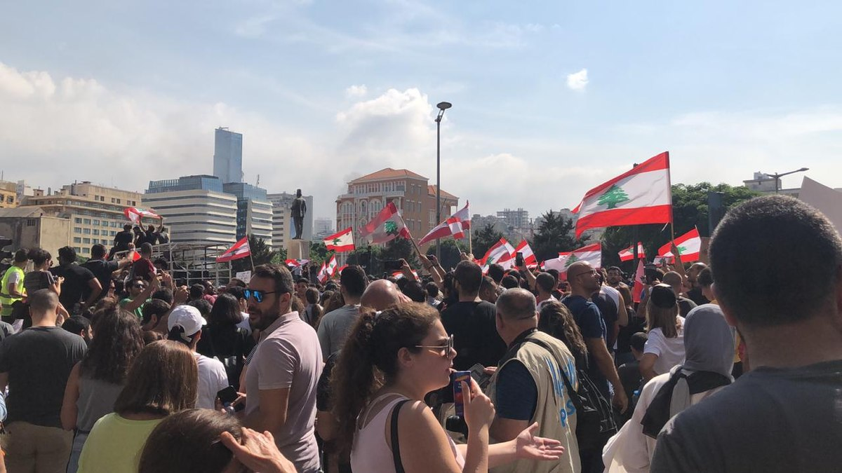 Lebanese Protesters in Beirut. Photo by Shahen Books, Wikimedia.