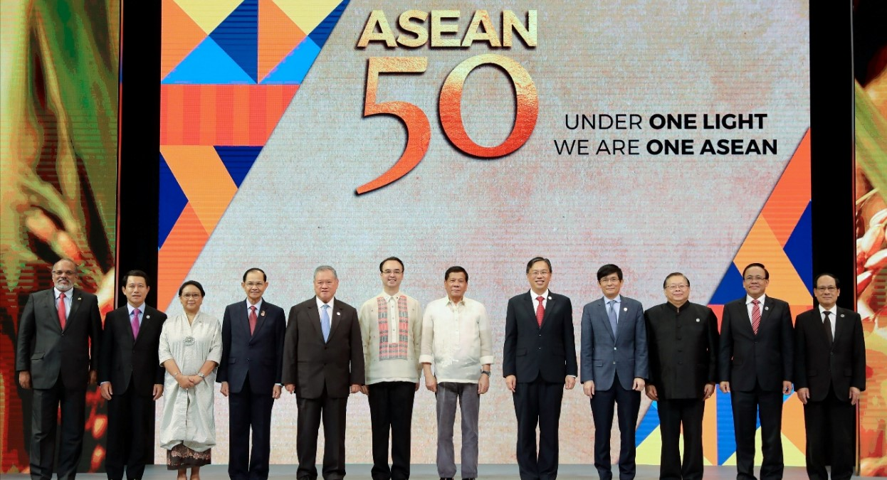 ASEAN Foreign Ministers at the 2017 Summit. Photo by Richard Madelo, Philippines Presidential Communications Operations Office. Source: https://bit.ly/2R0fciW