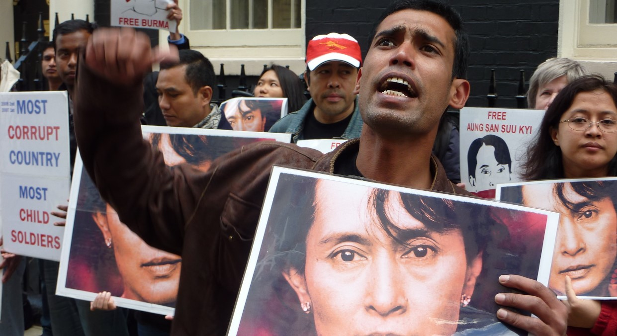 Burma protest for junta to face International Criminal Court. Photo by totaloutnow, Flickr. Source: https://bit.ly/2ZaoMlm