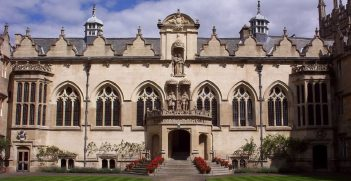 The home of the divisive Rhodes statute, Oriel College. Source: Andrew Shiva / Wikipedia / CC BY-SA 4.0 https://bit.ly/2VItxSx