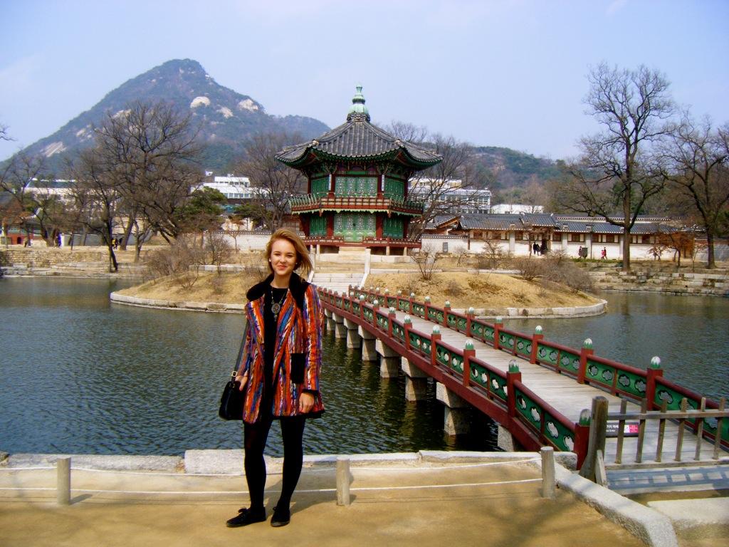 Luisa Cools Korea Palace