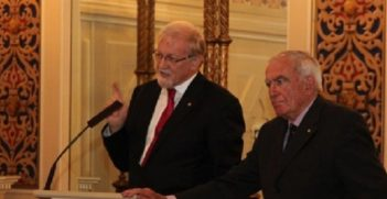 The Hon Gareth Evans AC QC FAIIA and AIIA Tasmania President Professor Peter Boyce AO