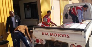 Benghazi, Libya. ICRC and Libyan Red Crescent staff deliver medical supplies to Benghazi Medical Centre. ICRC / E. Fares
