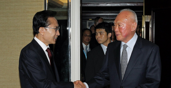 Former South Korean President Lee Myung-bak (left) and Lee Kuan Yew (right). Image Credit: Flickr (Republic of Korea) Creative Commons.