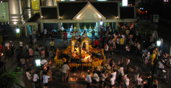 The Erawan Shrine, which was recently bombed by terrorists. Photo Credit: Flickr (Andrea Williams) Creative Commons.