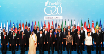 Family portrait of G20 leaders during the G20 Summit in Antalya, Turkey. Photo Credit: Flickr (GovernmentZA) Creative Commons