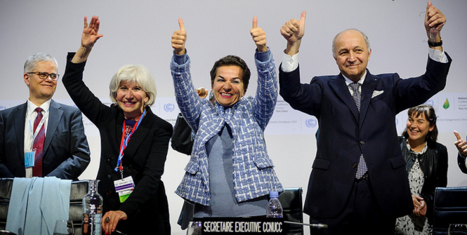 Plenary session of the COP21 for the adoption of the Paris Agreement. Photo Source: COP PARIS (Flickr). Creative Commons.