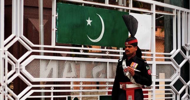 Waga border between India and Pakistan. Photo source: Torsum Khan (Flickr). Creative Commons.