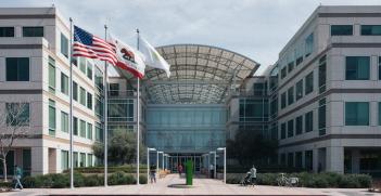 Apple headquarters, California. Photo source: Marcus Kazmierczak (Flickr). Creative Commons.