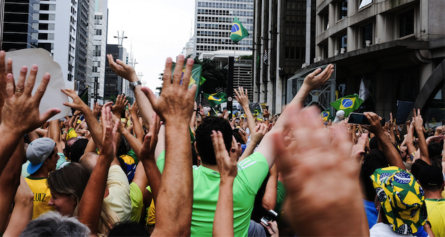 Protestors in Sao Paulo in March 2016. Photo source: Marcelo Valente (Flickr). Creative Commons.