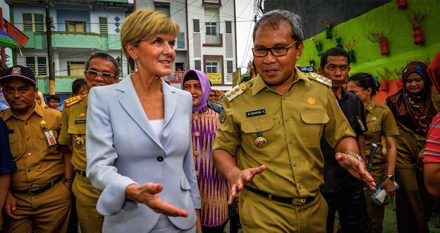 Foreign Minister Julie Bishop with Makassar Mayor Danny Pomanto. Photo source: Australian Embassy Jakarta (Flickr). Creative Commons.