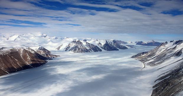 Antarctica. Photo Credit: Eli Duke (Flickr) Creative Commons