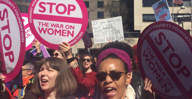 Women protest the Global Gag Rule in Washington DC: @zesty_leftwing