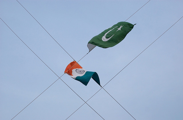 Indian and Pakistani flags/ credit: Flickr user Global Panorama