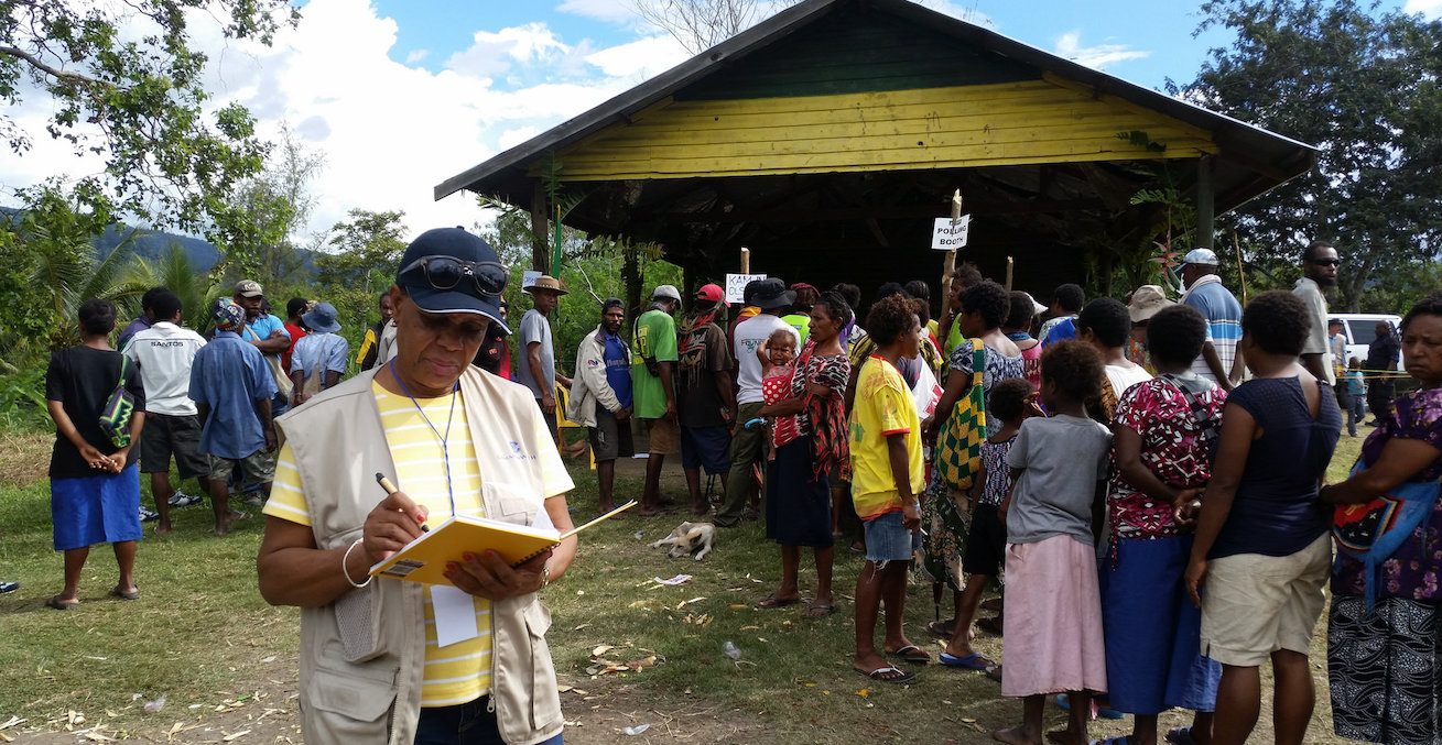 Votes being cast in 2017 PNG election / Photo Credit: Commonwealth Secretariat
