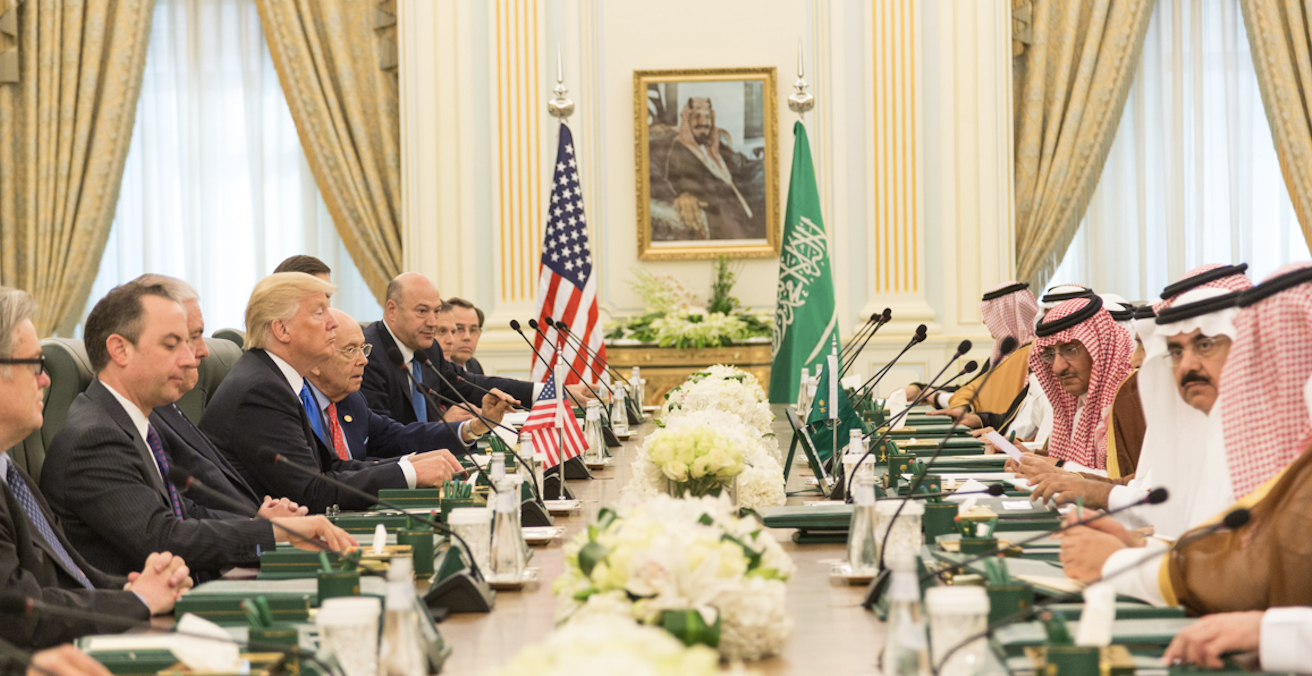 President Trump and his delegation in a bilateral meeting with King Salman of Saudi Arabia in Riyadh, 20 May 2017. Shealah Craighead/White House, Flickr