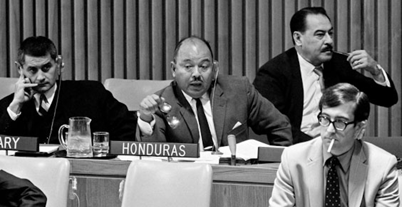 Delegates talking and smoking during a preliminary debate on the law of treaties — 19 October 1967 Twenty-second Session of the General Assembly, Meeting of the Sixth (Legal) Committee, United Nations Headquarters, New York. Source: UN Audiovisual Library of International Law http://bit.ly/2WcZ14M