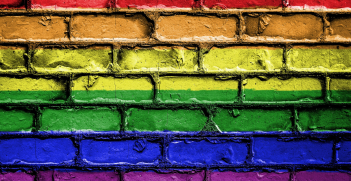 Rainbow painted bricks. Source: Pixabay http://bit.ly/2WbZHbv