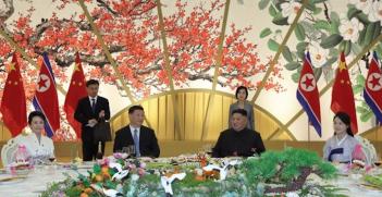 Kim Jong Un and Xi Jinping dine in Pyongyang during Xi's June 2019 visit. Source: Willow200man.