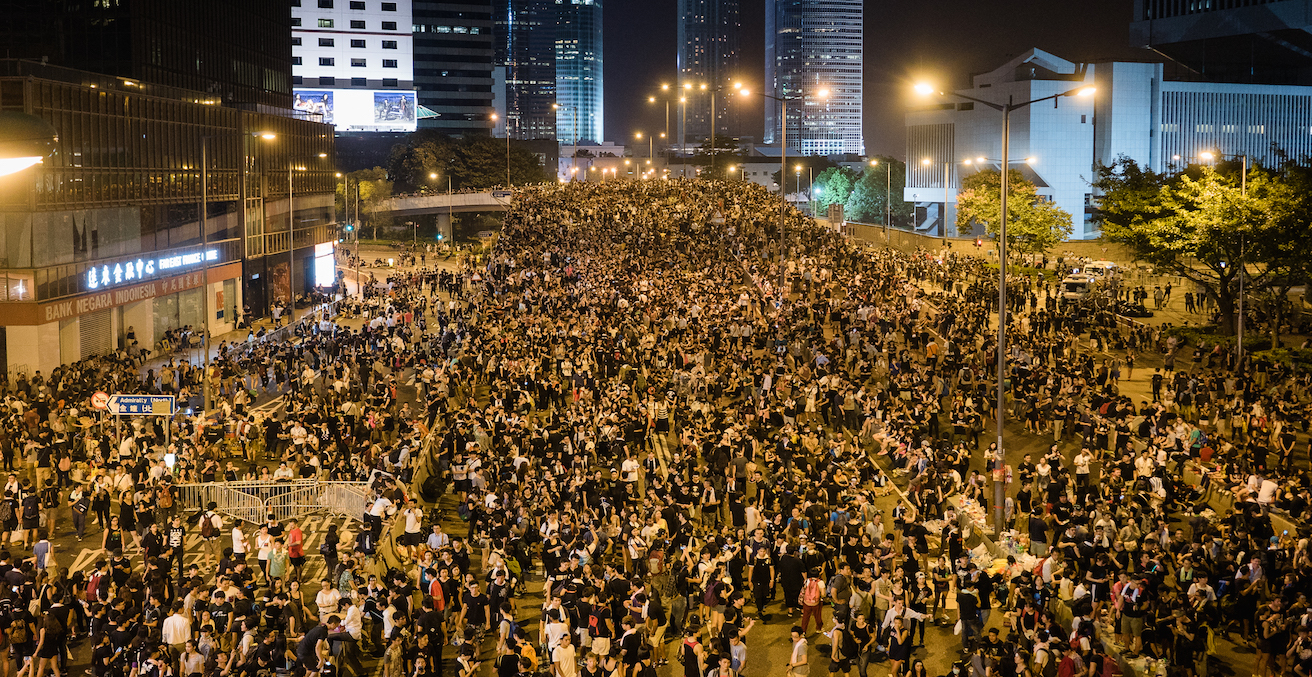 Hong Kong protestors in the city centre, Source: Flickr, https://bit.ly/2YUPJaZ