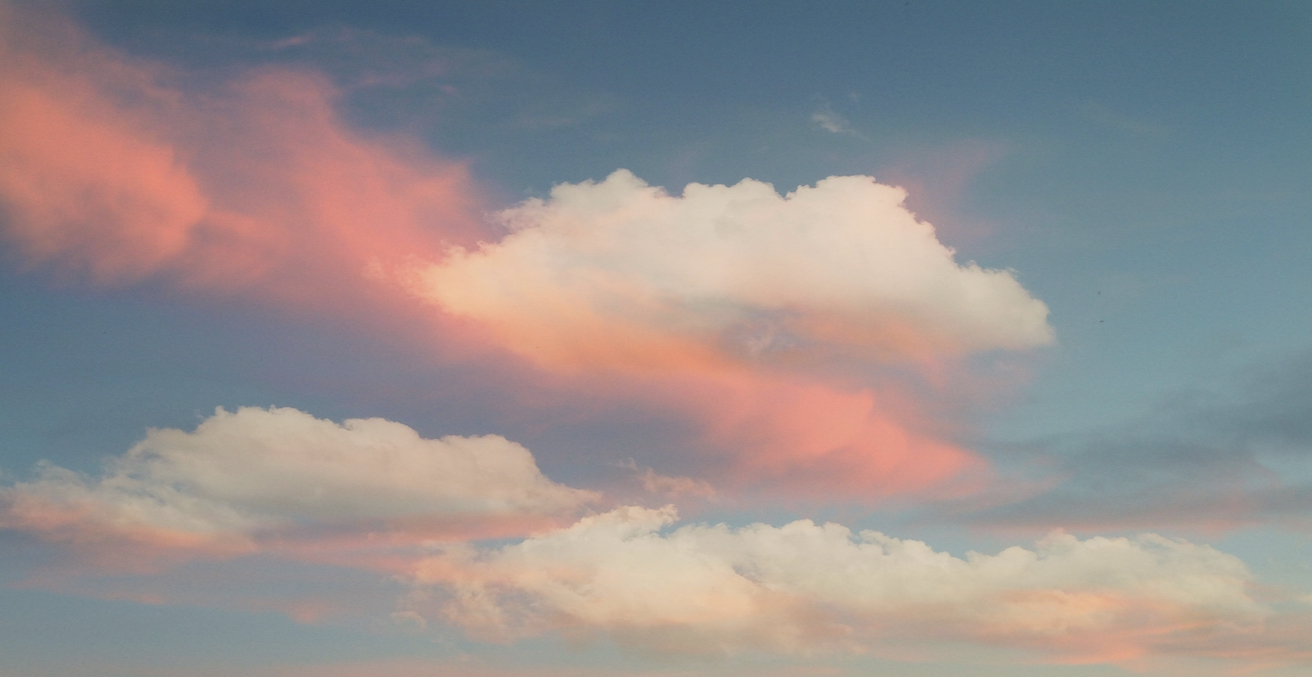 Pink Sky, Source: Daniel Arrhakis, Flickr, https://bit.ly/2lMNUi9