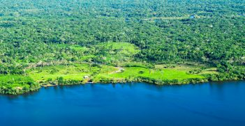 Aerial view of the Amazon Rainforest, Source: CIFOR, Flickr, https://bit.ly/2plNSQi