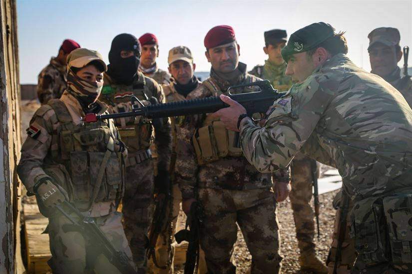 Training Iraqi Soldiers. Photo by Lisa Soy, US Army Photo.