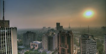 Smog In The Skies Of Delhi, India. Photo by Ville Miettinen. Source: https://bit.ly/337cB8Y