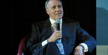 Paul Keating. Photo by Idpercy, Flickr. Source: https://bit.ly/2DCk0mE